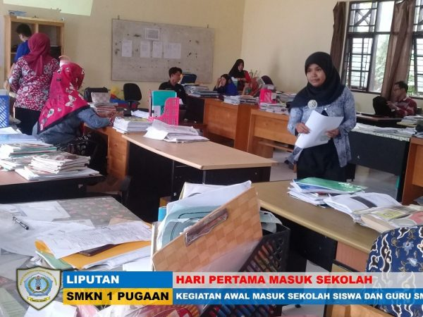 Hari Pertama Siswa dan Guru SMKN 1 Pugaan Masuk Sekolah Tahun Pelajaran 2018