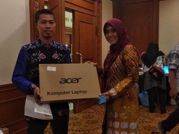Guru SMKN 1 Pugaan Masuk Dalam Kategori Pemenang Nasional Dalam Lomba Pembuatan Media Pembelajaran Berbasis TIK