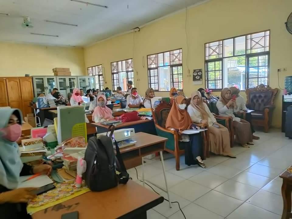 Kegiatan Rapat Pada Kenaikan Kelas, Pembagian Jam Mengajar, Penggunaan Atribut Sekolah dan Simulasi PTM